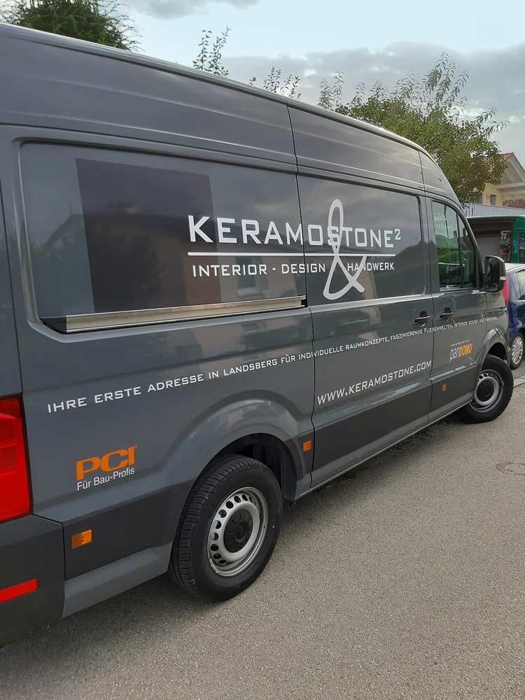 Firmenfahrzeug von Keramostone in Kaufering